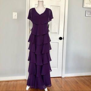 NWT SLNY Evening Dress